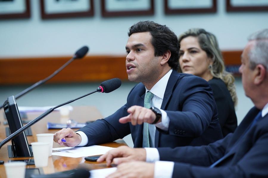 Center beto pereira apresenta projeto de lei que exige comprova o para produtos classificados como zero lactose