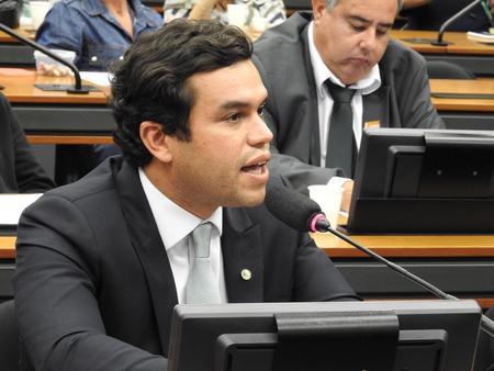Left or right 29 10 19 beto pereira participa de debate sobre revalida na c mara municipal de corumb