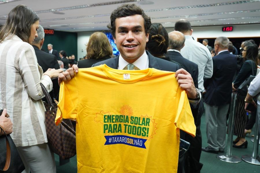 Center 30 10 19 beto pereira repudia a possibilidade de taxa o da energia solar no brasil