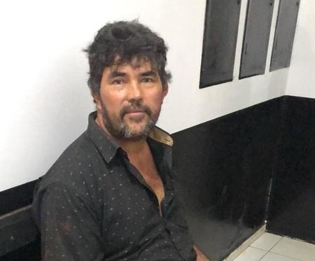 Left or right autor paraguaio