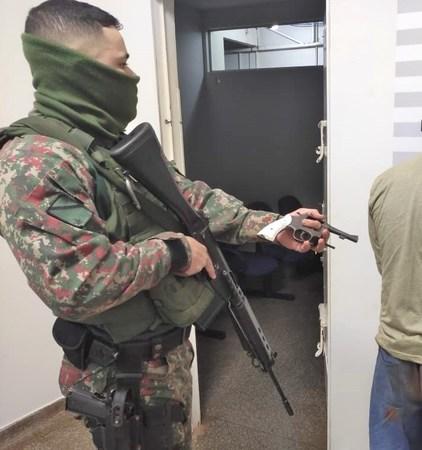 Left or right porte de arma assalto mn 11 de junho de 2021
